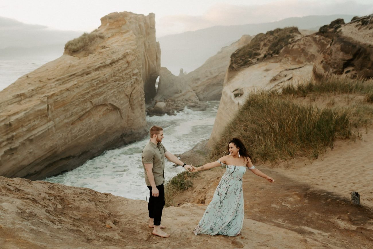 Cape Kiwanda Engagement Session Best Location In Oregon For Engagement Photos Portland Wedding Photographer Anais Possamai Photography 005