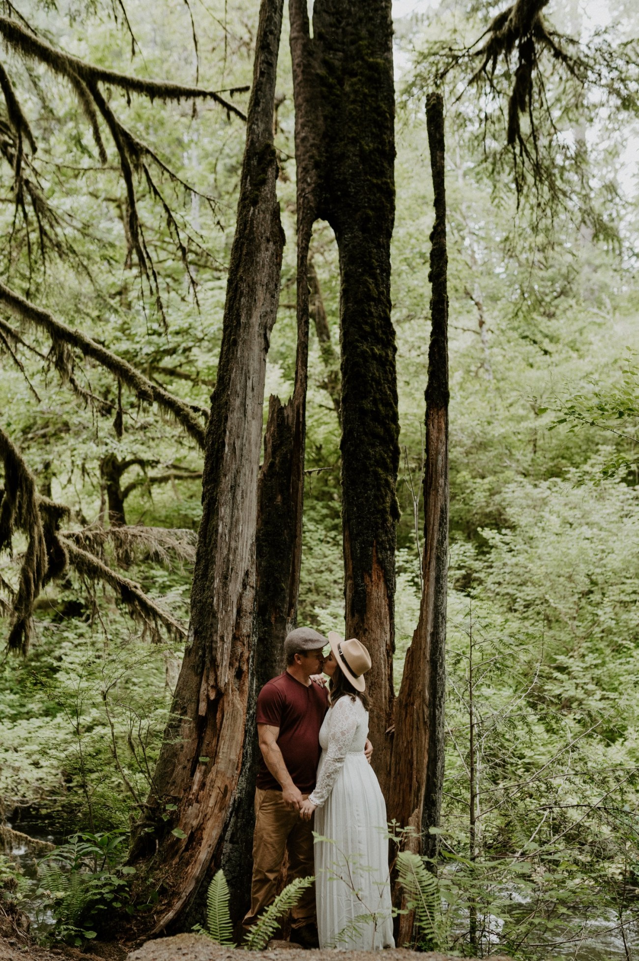 Silver Falls State Park Engagement Session North Falls Engagement Photos Portland Wedding Photographer Oregon Elopement Photographer Anais Possamai Photography 006