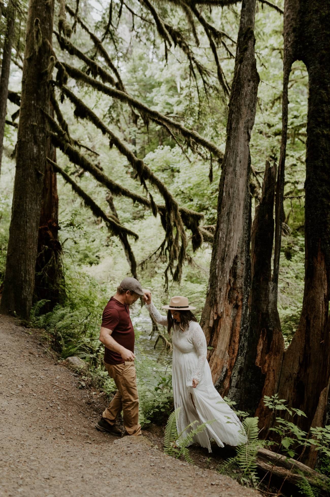 Silver Falls State Park Engagement Session North Falls Engagement Photos Portland Wedding Photographer Oregon Elopement Photographer Anais Possamai Photography 009