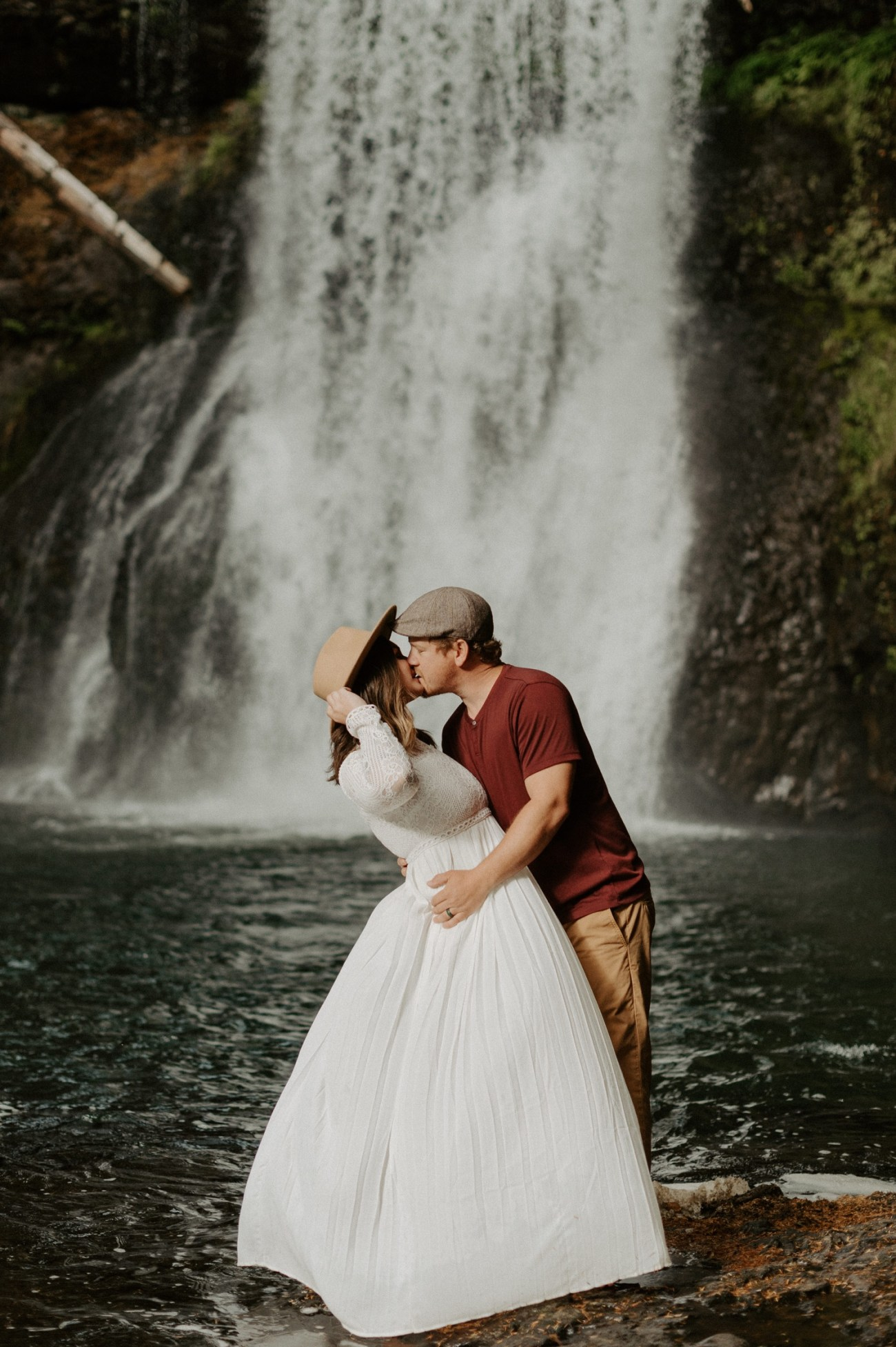 Silver Falls State Park Engagement Session North Falls Engagement Photos Portland Wedding Photographer Oregon Elopement Photographer Anais Possamai Photography 022