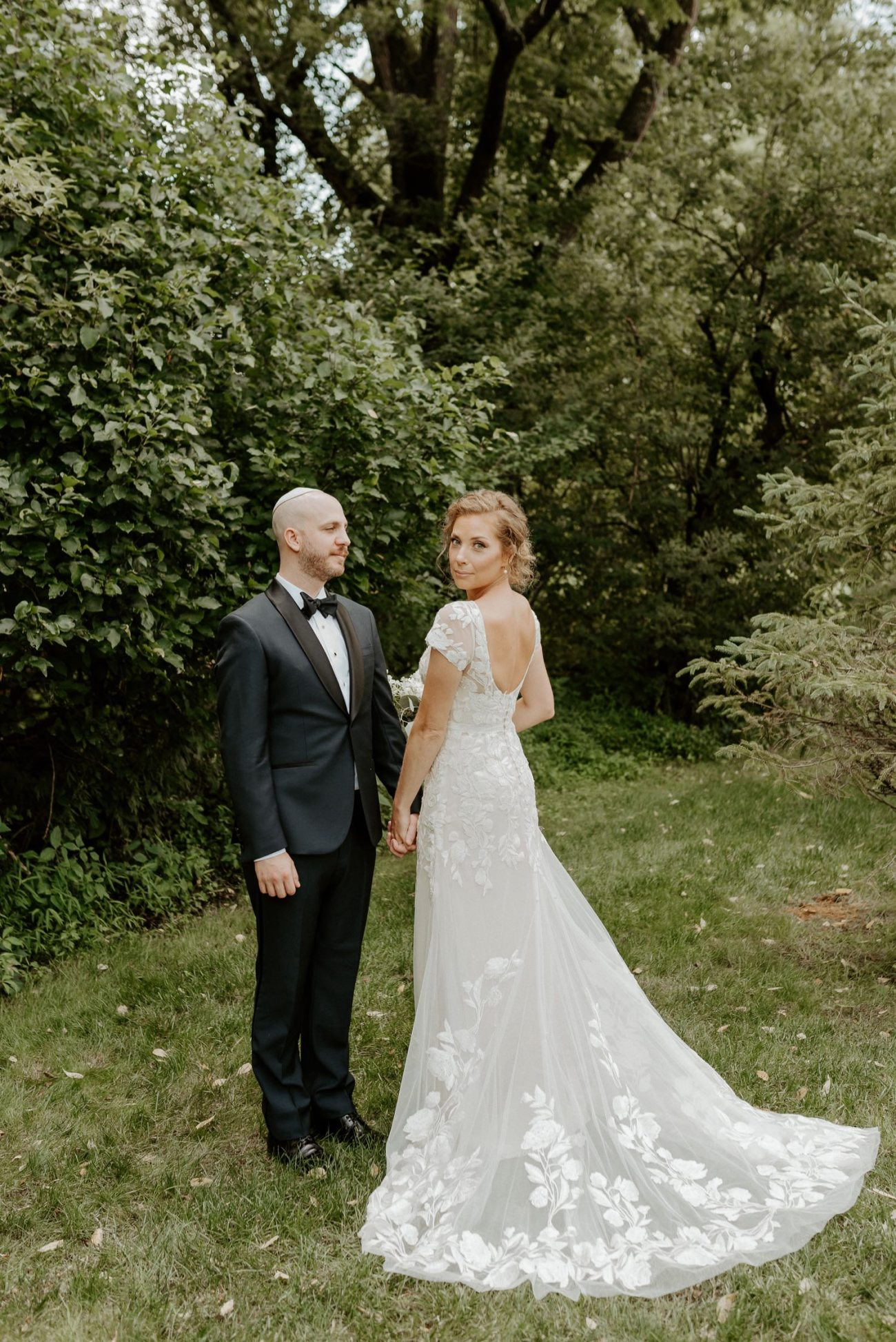 Bride and Groom at Jacks Barn Oxford New Jersey Wedding Venue. New Jersey Wedding Photographer NJ Wedding Venue Rustic Barn Wedding Anais Possamai Photography 018