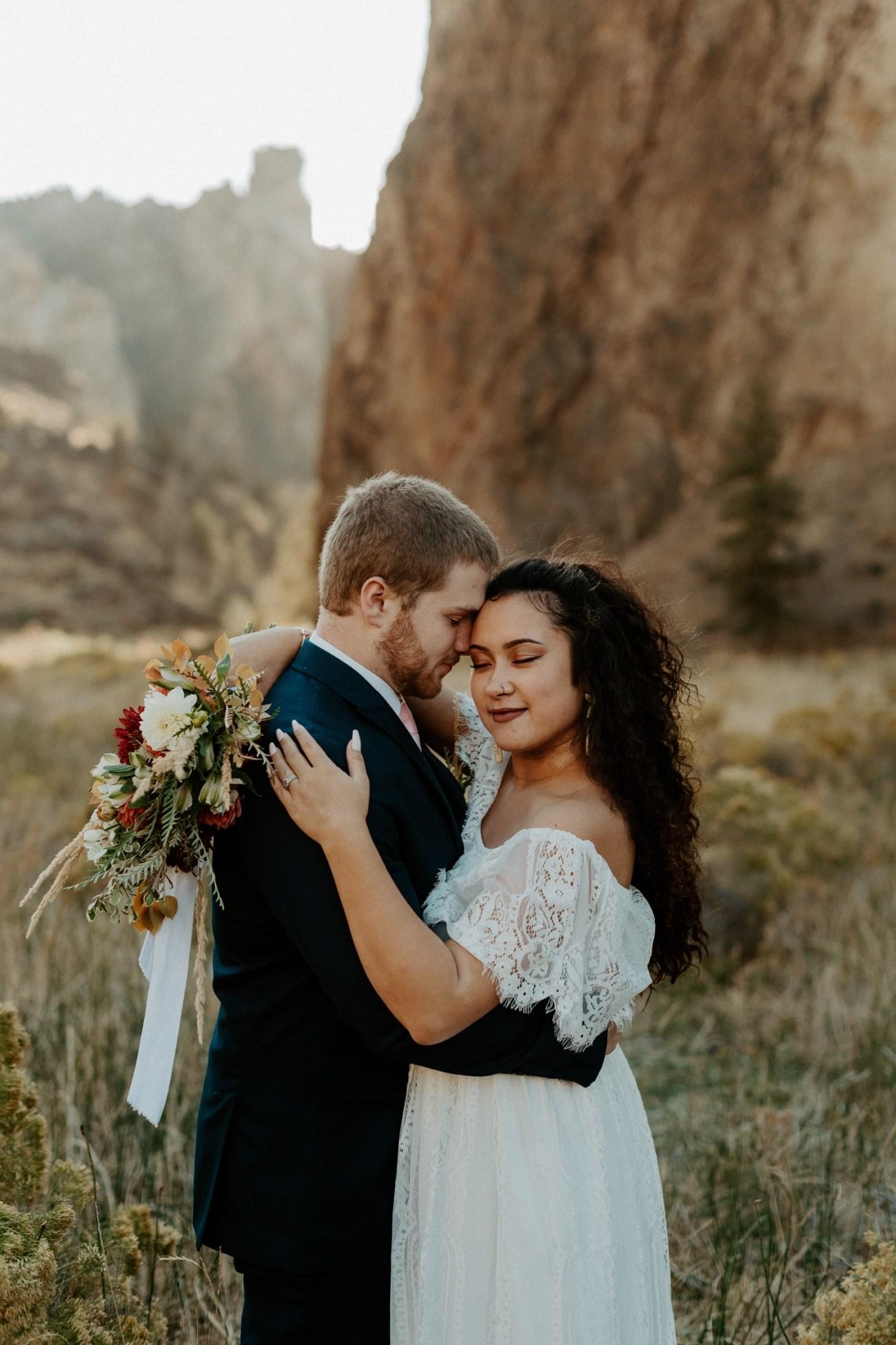 Smith Rock Elopement Bend Elopement Photographer Bend Wedding Photographer Fall Bend Wedding Anais Possamai Photography 012