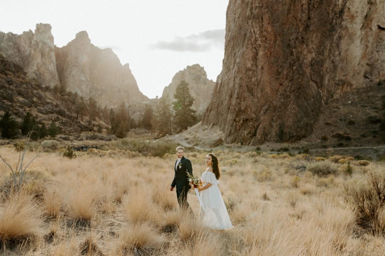 Smith Rock Elopement Bend Elopement Photographer Bend Wedding Photographer Fall Bend Wedding Anais Possamai Photography 020