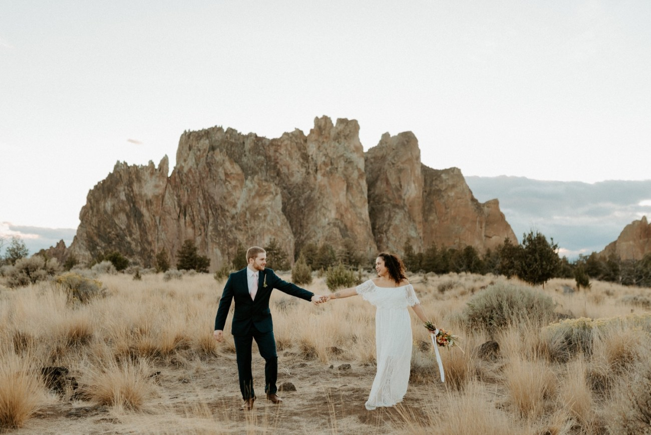 Smith Rock Elopement Bend Elopement Photographer Bend Wedding Photographer Fall Bend Wedding Anais Possamai Photography 043