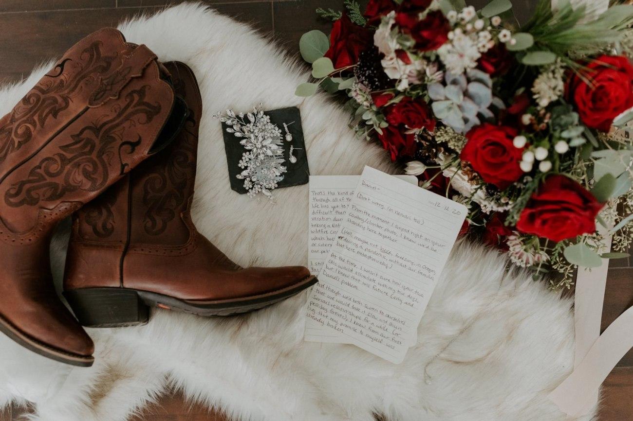 Intimate Wedding In Smith Rock State Park Bend Oregon Wedding Photographer Anais Possamai Photography 002