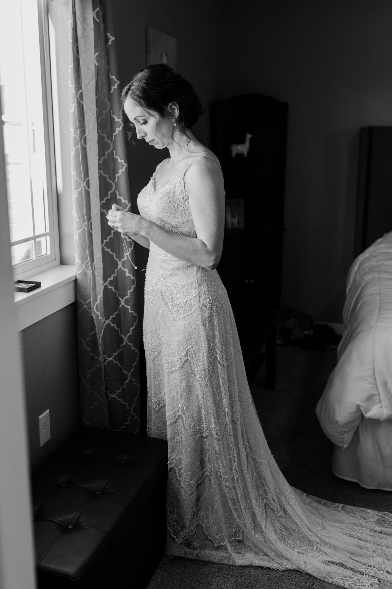 Intimate Wedding In Smith Rock State Park Bend Oregon Wedding Photographer Anais Possamai Photography 006