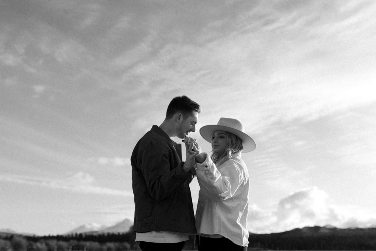 Black Butte Ranch Couple Session Bend Oregon Wedding Photographer Anais Possamai Photography 003