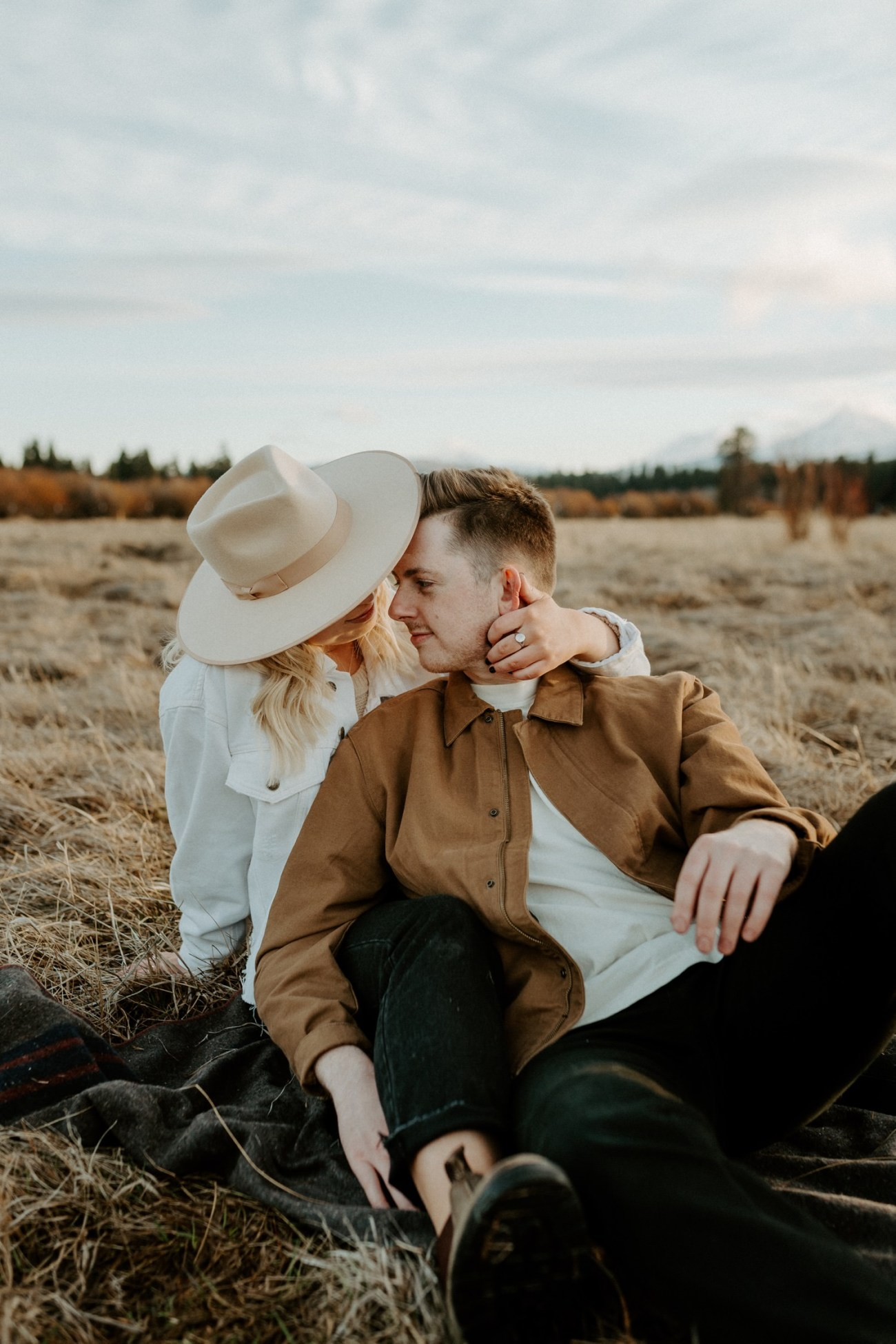 Black Butte Ranch Couple Session Bend Oregon Wedding Photographer Anais Possamai Photography 014