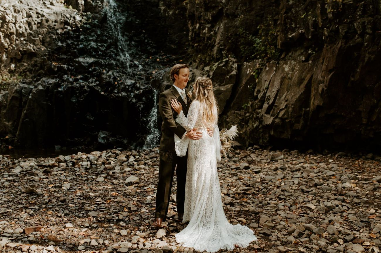 New Jersey Backyard Wedding Vintage Boho Wedding Hemlock Falls NJ Bend Oregon Wedding Phtographer Anais Possamai Photography 008