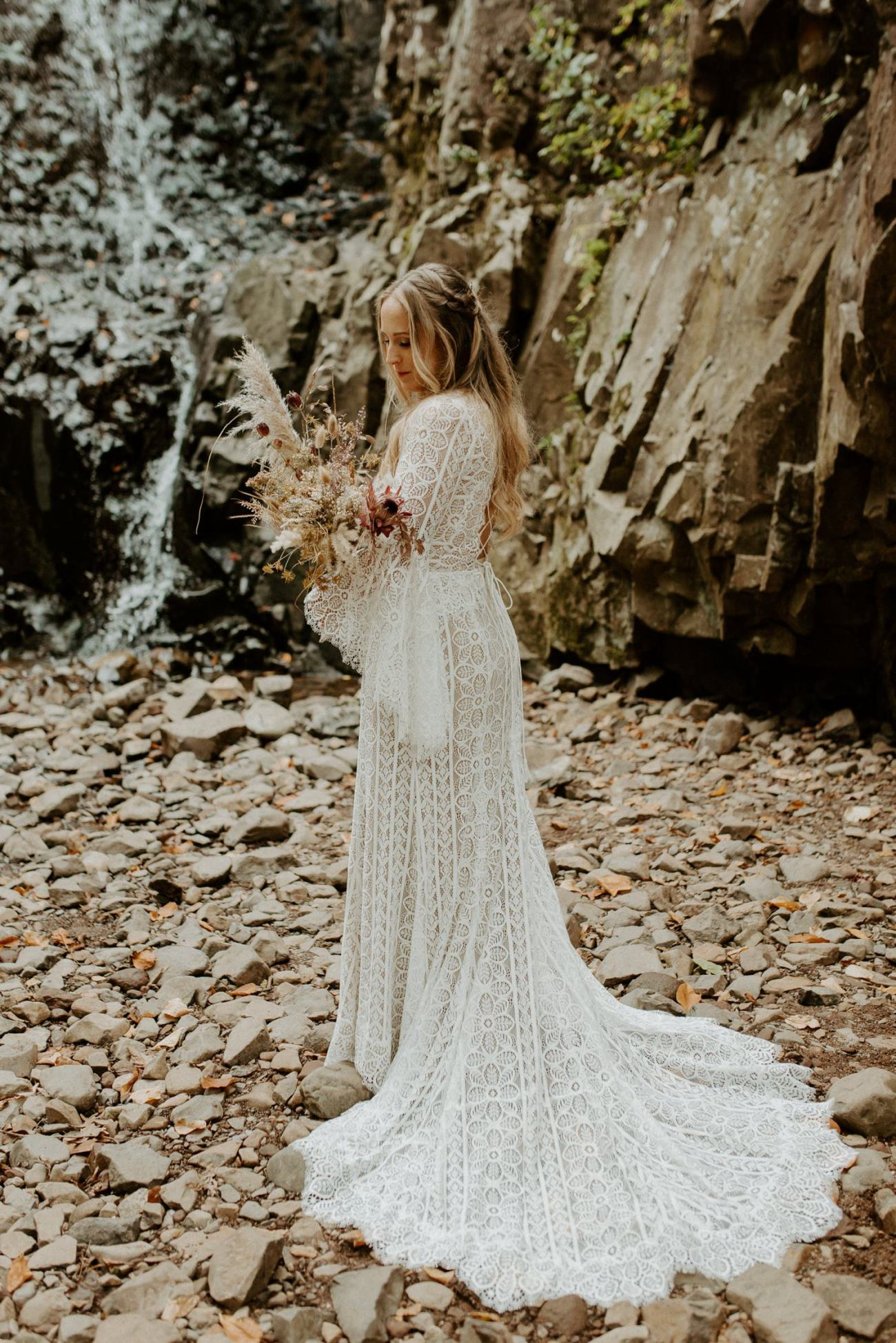 New Jersey Backyard Wedding Vintage Boho Wedding Hemlock Falls NJ Bend Oregon Wedding Phtographer Anais Possamai Photography 015
