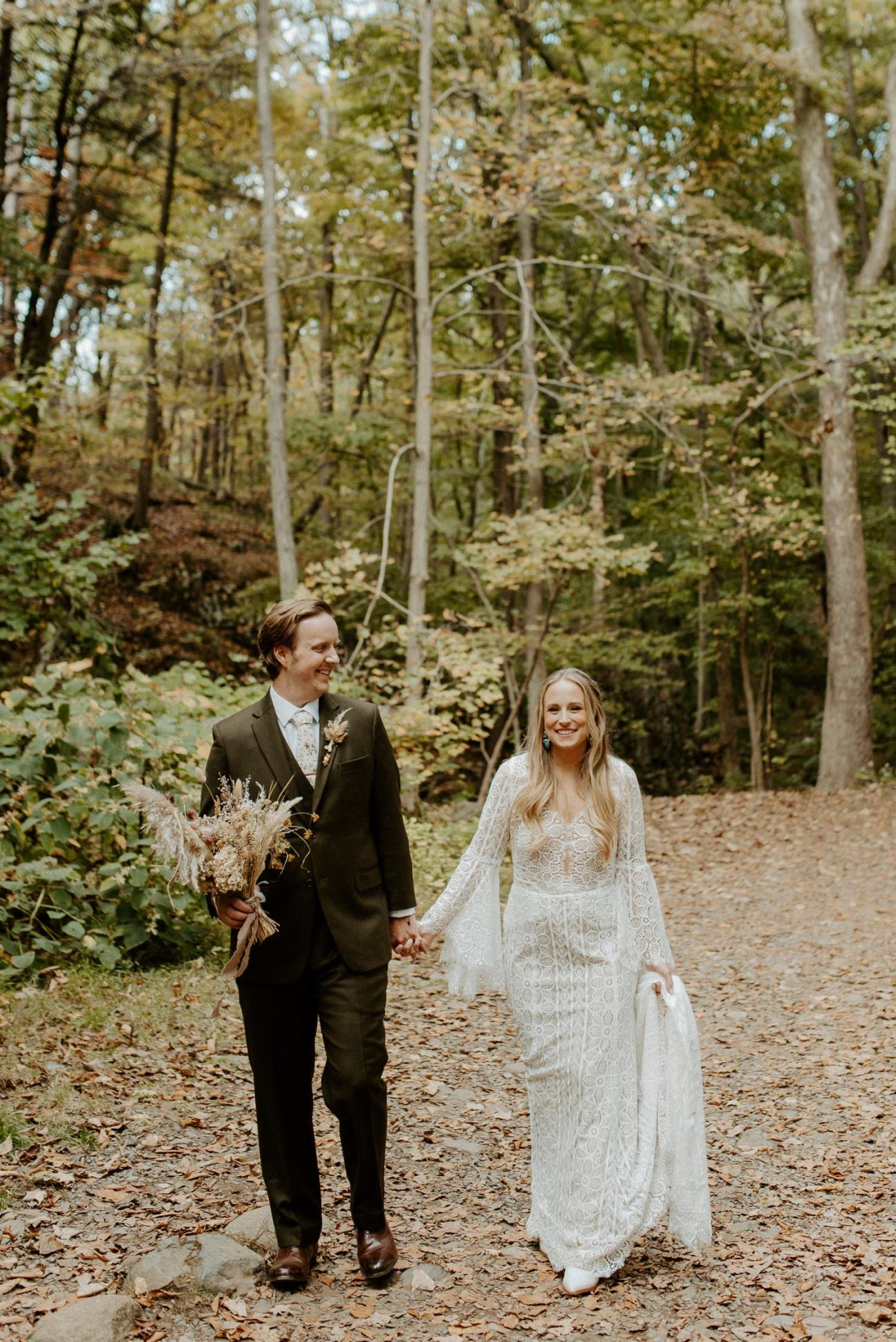 New Jersey Backyard Wedding Vintage Boho Wedding Hemlock Falls NJ Bend Oregon Wedding Phtographer Anais Possamai Photography 027
