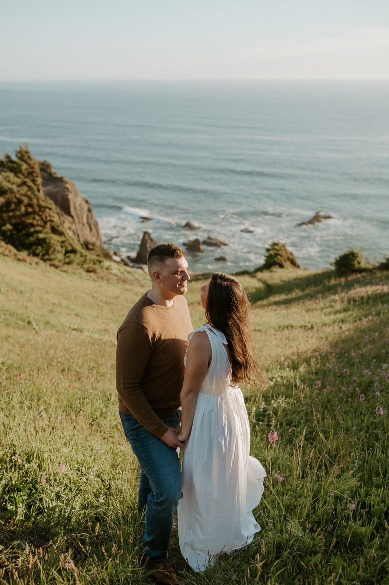 Oregon Coast Gods Thumb Engagement Session Bend Oregon Wedding Photographer Anais Possamai Photography 04