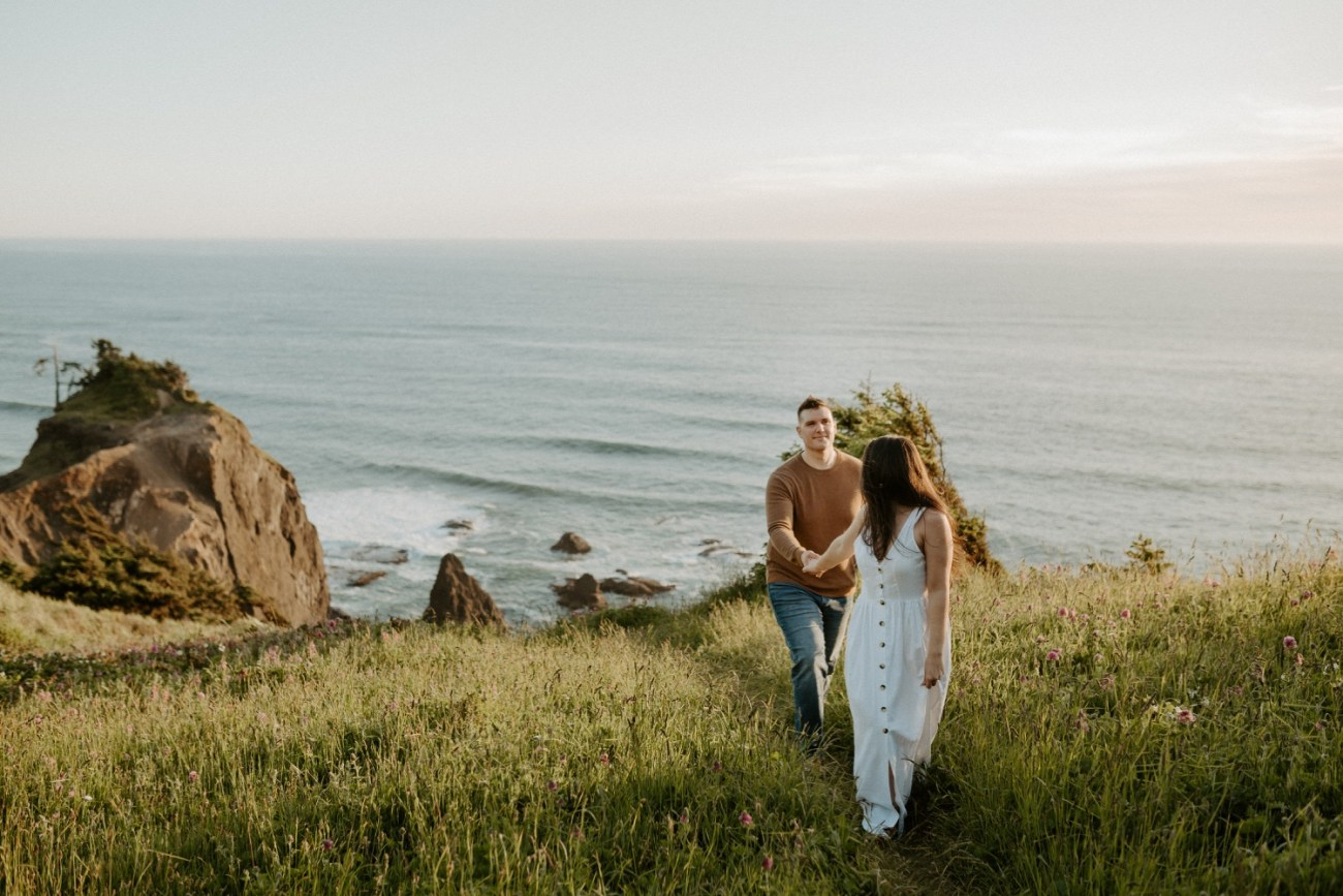 Oregon Coast Gods Thumb Engagement Session Bend Oregon Wedding Photographer Anais Possamai Photography 12