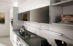κουζινας-επιπλα-πορτακια-λακα-λευκη-αλουμινιο-τζαμι