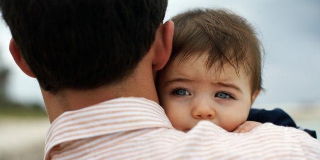 Ayah Memperlakukan Anak dengan baik.