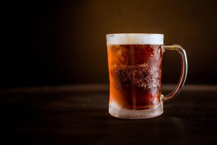 Beer, salah satu minuman yang mengandung alkohol