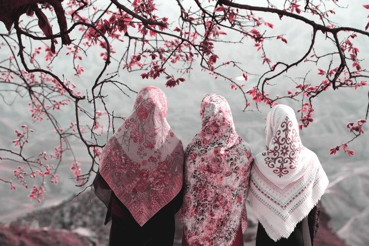 Tulisan Komprehensif Tentang Berpakaian Sesuai Syariat Islam