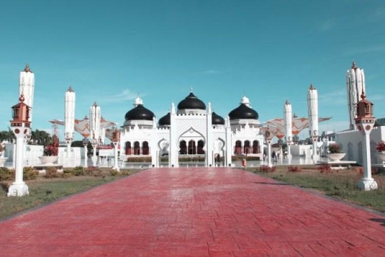 Masjid berdampingan dibolehkan selama memenuhi syarat. Sumber: idntimes.com. membangun masjid berdekatan