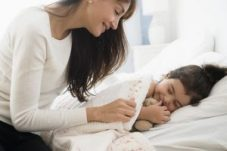 Getty_mother_daughter_bedtime_routine_LARGE_JGI-Jamie-Grill-56a13ebe3df78cf77268bcf6