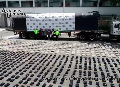 Hallan tonelada de marihuana de los Chatas dentro de parqueadero del Volador, comuna 7 de Medellín