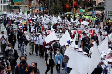 Los ahora integrantes del partido Fuerza Alternativa Revolucionaria del Común (FARC)...