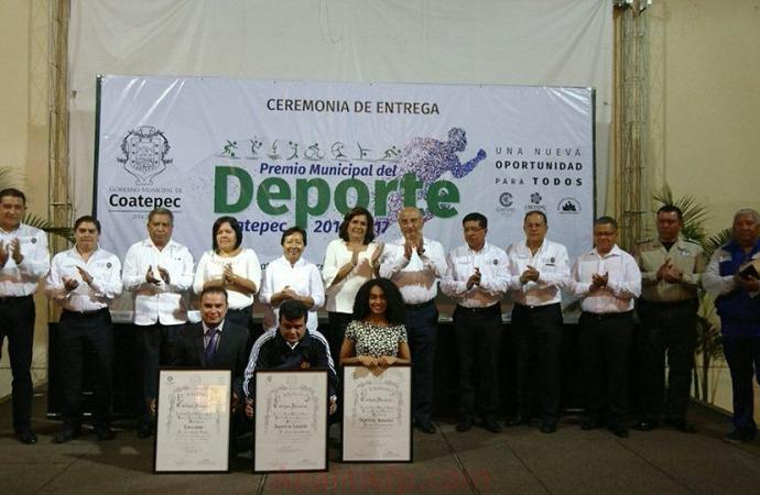 GOBIERNO MUNICIPAL DE COATEPEC ENTREGA EL PREMIO MUNICIPAL DEL DEPORTE 2017