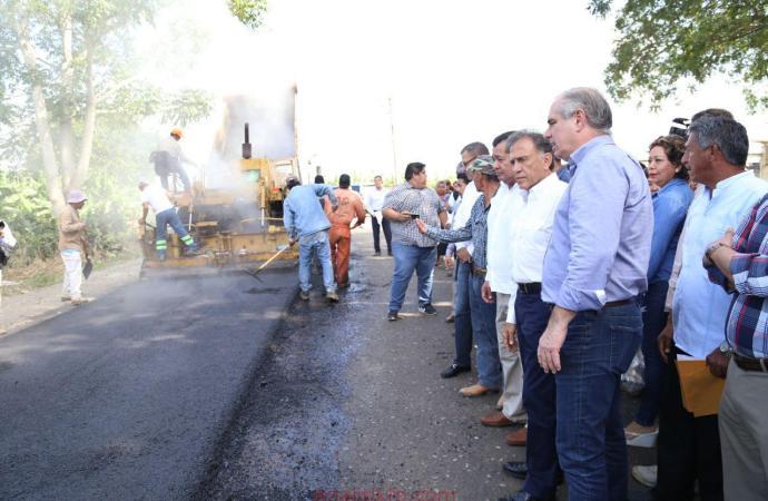 Supervisan Gobernador y SIOP reconstrucción de caminos en Nautla y Vega de Alatorre