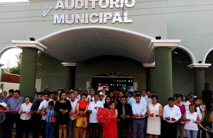 OBRAS DE RELAVANCIA EN CUICHAPA GRACIAS A PEPE YUNES: TORRES CAMACHO