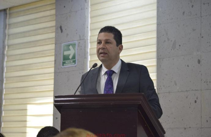 Presenta Fernando Kuri iniciativa que busca evitar el retiro de seguridad a municipios de forma discrecional