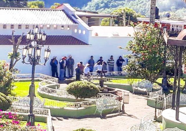 Inconformes con Mercado sin razones de fondo en Ayahualulco