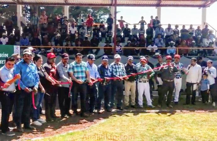Inauguran unidad deportiva en Tonalaco