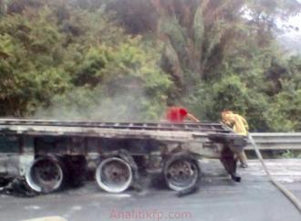 Doble accidente en autopista a la altura de Cosamaloapan