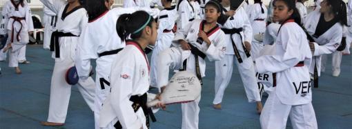 Realizan campamento de taekwondo en Arena Veracruz