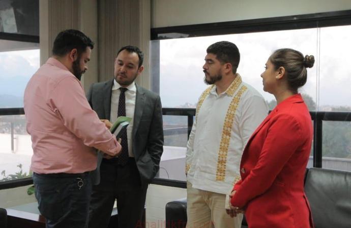 Firman convenio SEV y SEFIPLAN para destinar recursos a escuelas