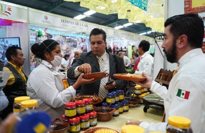 Presente Veracruz en el primer Tianguis de Pueblos Mágicos
