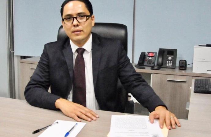 Ya llegó Alfredo Corona al despacho de la Fiscalía Anticorrupción