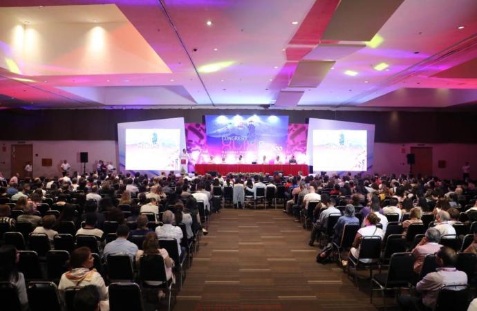 Gobernador Cuitláhuac García inaugura el Congreso Nacional de Patología