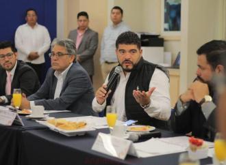 Sancionarán a constructoras que no cumplan con obras pactadas: SEV