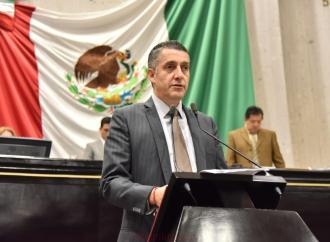 Peritajes en juicios familiares garantizarán equidad a sectores vulnerables: Víctor Vargas