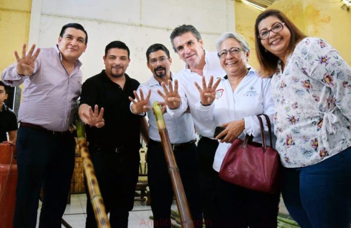 Gómez Cazarín cumple su promesa con las familias de Lerdo de Tejada