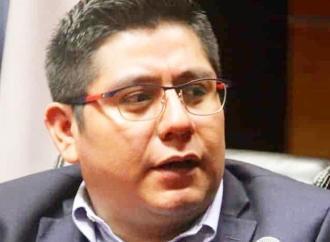 PAN y PRD prometen candidaturas a alcaldes por rechazar disminución de prerrogativas: Esteban Ramírez
