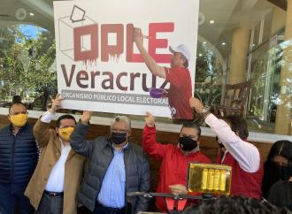 Unidos y Fuertes las y los veracruzanos evitaremos el fraude electoral 2021-2024 de Morena