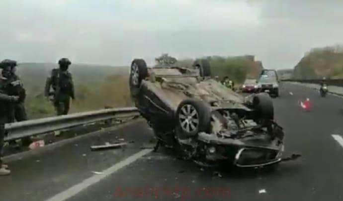 Fallece bebé al volcar un auto en la carretera Xalapa-Cardel