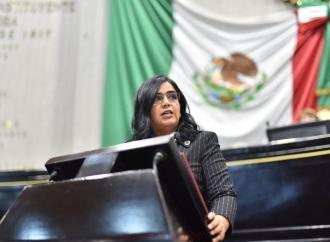 Prescripción de 30 años en delitos que afecten el desarrollo de la personalidad, propone Adriana Capitanachi
