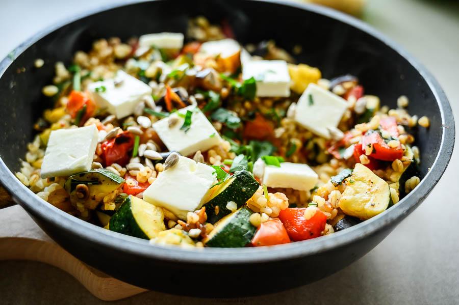 smażony bulgur z warzywami