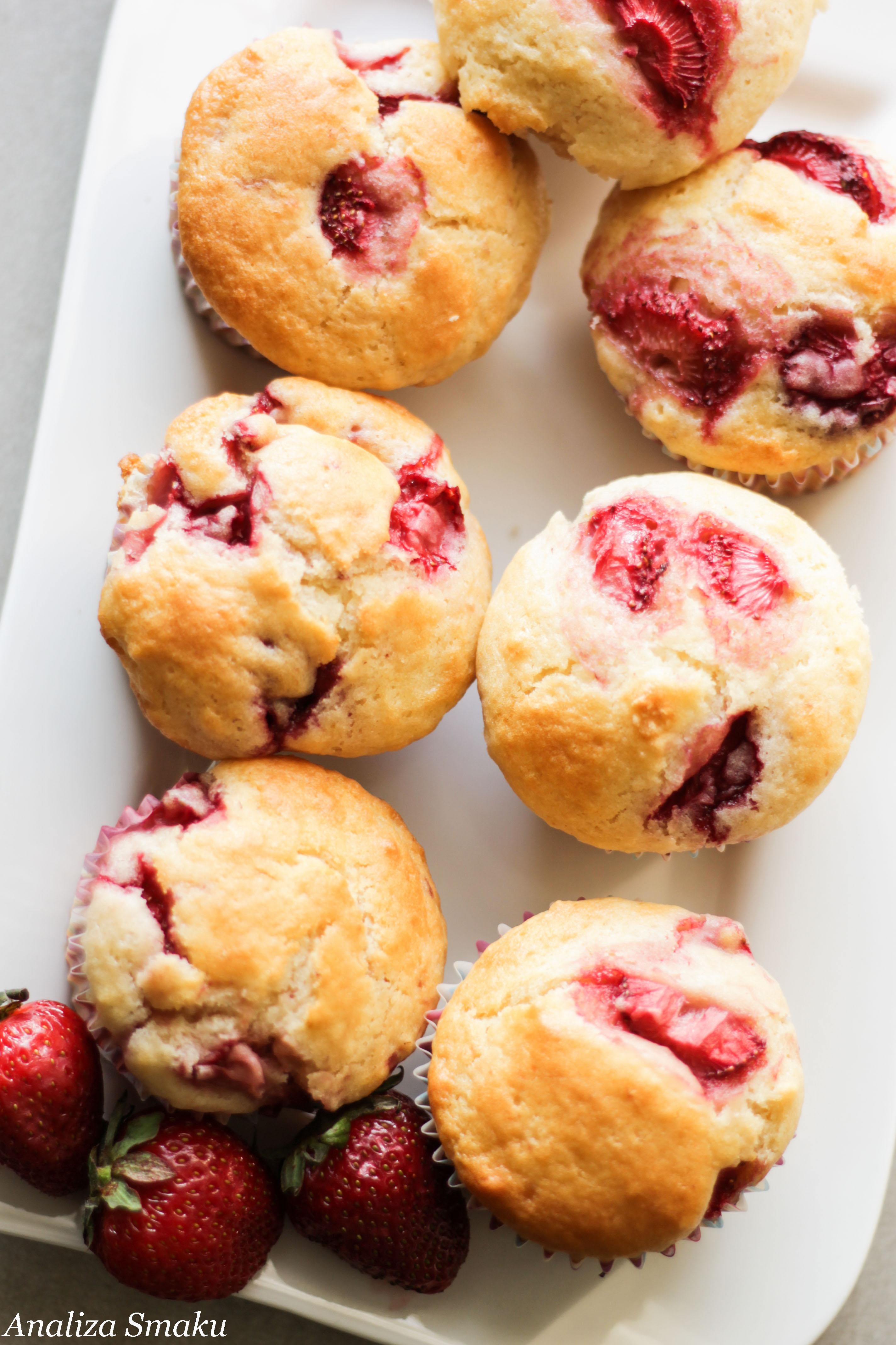 Muffinki jogurtowe z truskawkami