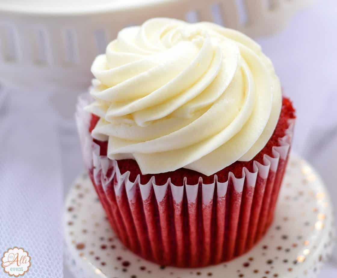 How To Make Amazing Red Velvet Cupcakes