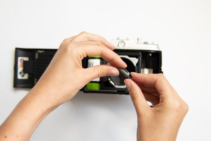 35mm film adapter tutorial, 35mm film, midden formaat camera, agfa isola 1