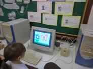 Jogando e aprendendo com o Coelho Sabido-cores,formas, letras do alfabeto, numerais...