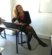 Nadine TOUZEAU avant de donner un cours : photo prise par élève